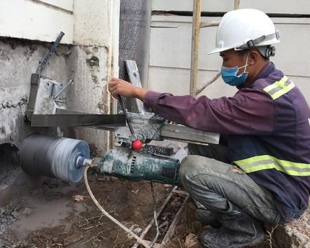 Steps to drill concrete core in Tuyen Binh