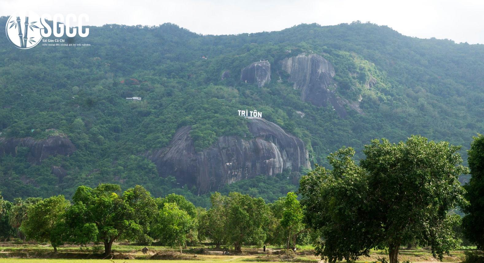 Tri Ton Mountain District